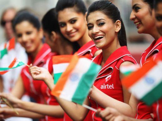 27-1351340119-indian-gp-girls-607